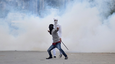 Student injured in J&K clashes (Lead)