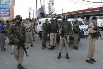 Grenade blast at Jahangir Chowk Srinagar injures civilians