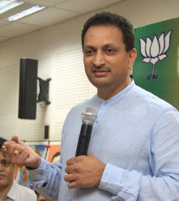BJP distances itself from Hegde s  changing  Constitution claim