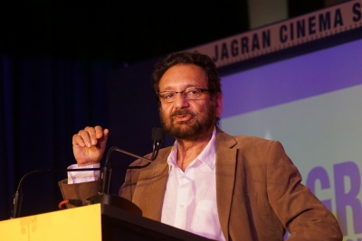 Shekhar Kapur mulls legal action against makers of 'Mr India' remake (Lead)
