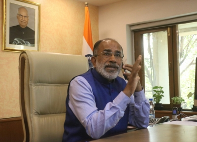 Alphons rubbishes Rahul allegation that BJP trying to  buy  churches