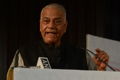 Yashwant Sinha suspends farmers  stir after demands conceded