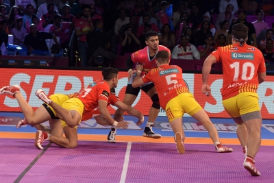 Gujarat beat Jaipur in PKL-5