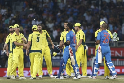 Dhawan, Kohli guide India to 9 wickets victory (Lead)