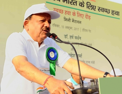 Centre, Delhi join hands against air pollution: Harsh Vardhan