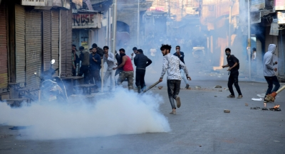 Clashes erupt in Srinagar over 'braid chopping' incidents