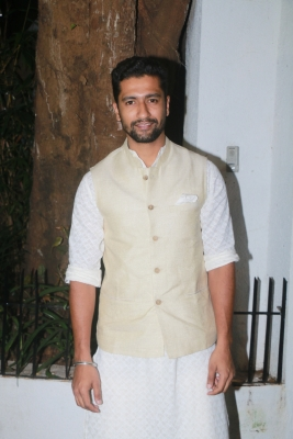 Vicky Kaushal to train with Aamir s fitness trainer