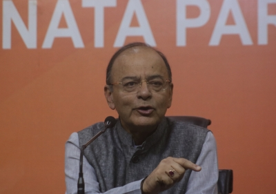 Jaitley attacks Congress for EC criticism