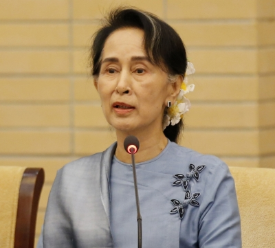 Suu Kyi defends imprisonment of Reuters journalists