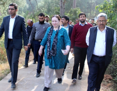 Ministry of Home Affairs team visits villages along LoC