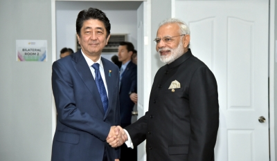 Modi meets leaders of five countries in Manila