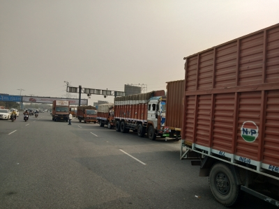 Delhi Pollution: EPCA imposes ban of trucks as air quality improves