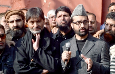 Mirwaiz, Malik arrested in Srinagar; Call for shutdown on Nov 27