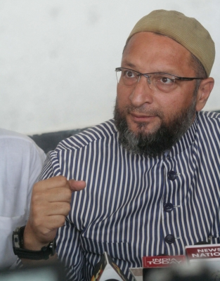 Babri case can t be decided on  aastha , says Owaisi