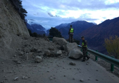 Strong quake  rattles Tibet but no damage reported