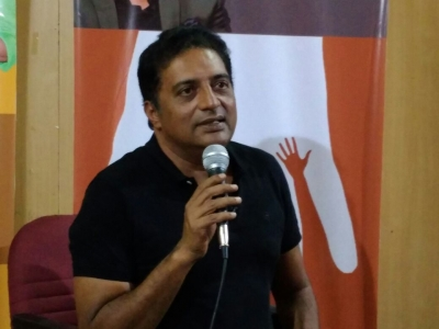 Threat to kill actor Prakash Raj, Brinda Karat, Kumaraswamy