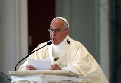 Pope urges to combat evil through cooperation