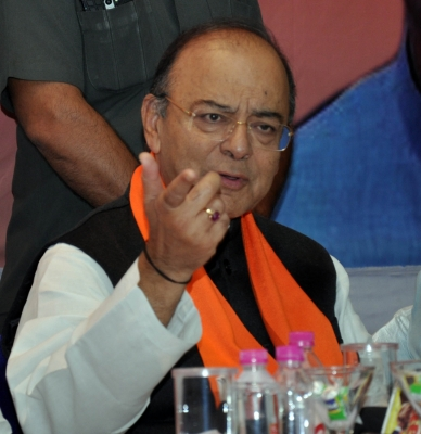 Congress returns Jaitley's 'clown prince' jibe with 'blabber blogger'