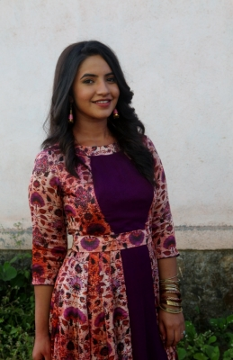 I dont go to salons: Meera Deosthale