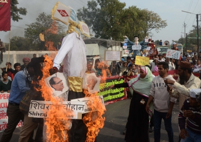 Protests mark 33rd anniversary of Bhopal gas tragedy