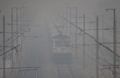 Misty Saturday morning in Delhi, 13 trains cancelled