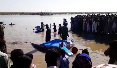 Toll in Pakistan boat capsize reaches 21