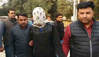Teen confesses to killing mother, sister in Greater Noida (Lead)