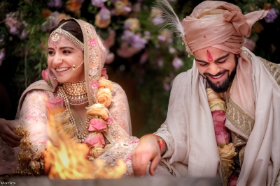 Virat, Anushka wed in Italy, begin new innings (Second Lead)