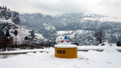 Himachal shivers as mercury stays below freezing point
