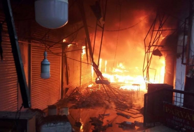 Goods worth crores gutted in MP shopping complex