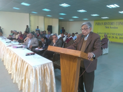 If a historian invents facts, that s fiction not history: Habib
