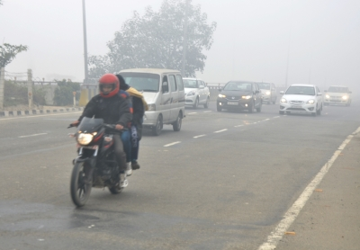 Misty Wednesday morning in Delhi