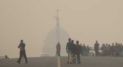 Urban heat island punches holes through Delhi fog