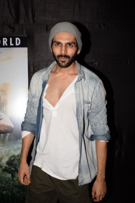 Kartik Aaryan to turn showstopper