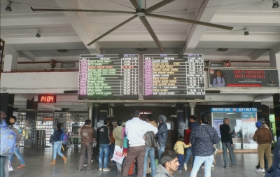 Partly cloudy Monday in Delhi, 10 trains cancelled