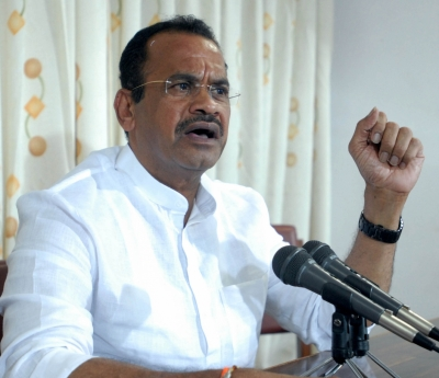 Warrants against two Telangana officials in contempt case