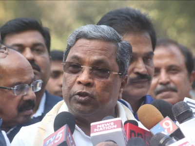 Siddaramaiah, Karnataka Congress leaders meet Rahul