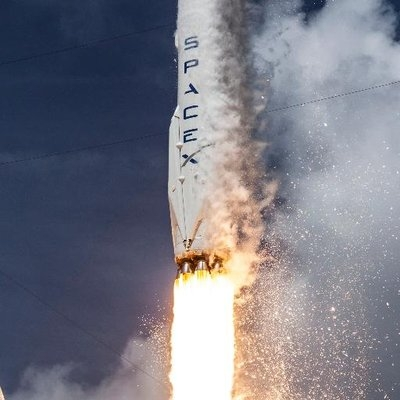 SpaceX gets nod to launch 12,000 broadband satellites: Report