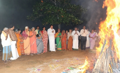 Andhra, Telangana celebrate Bhogi with gaiety