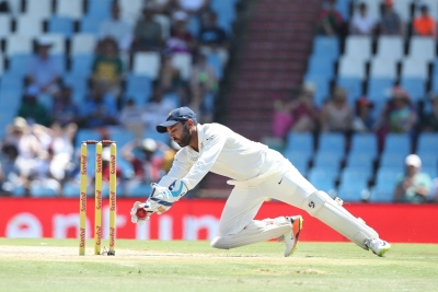 India bowl out South Africa for 335 (Lunch report)