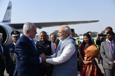 Modi breaks protocol, receives Netanyahu at airport