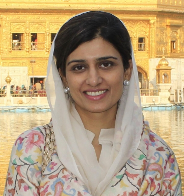 Brother registers forgery case against Hina Rabbani Khar