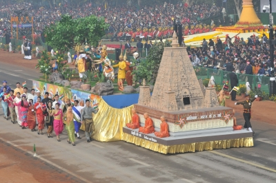 India s military, soft powers enthrall crowd at R-Day parade