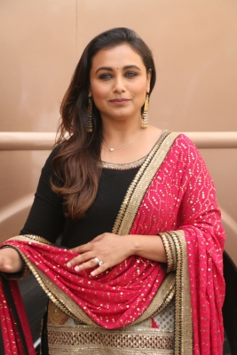 PR armtwisting: Open letter to Rani Mukerji on her busybodies