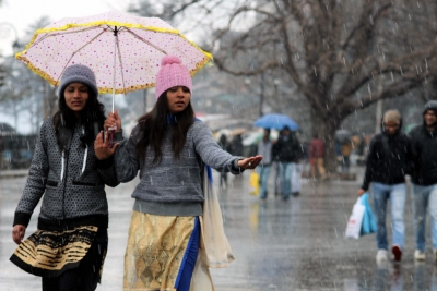 Cold tightens grip in Himachal after more snow