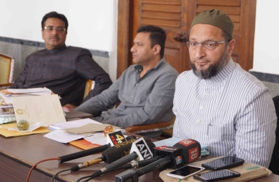 Why silence on sacrifice of Muslim soldiers in J&K attack: Owaisi (Lead)