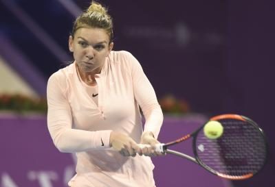 Halep advances to Italian Open quarterfinals