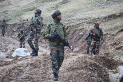 Officer, two soldiers injured in LoC ceasefire violation