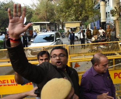 Delhi court grants bail to Karti s CA in money laundering case