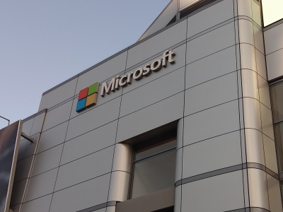 Microsoft logs 17% revenue growth riding on cloud business